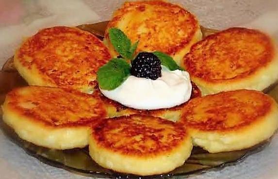 Сырники с фруктами из творога рецепт с фото пошагово