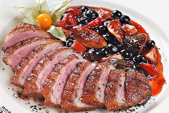 Как приготовить утку: утка под соусом — сочная и нежная (4 рецепта)