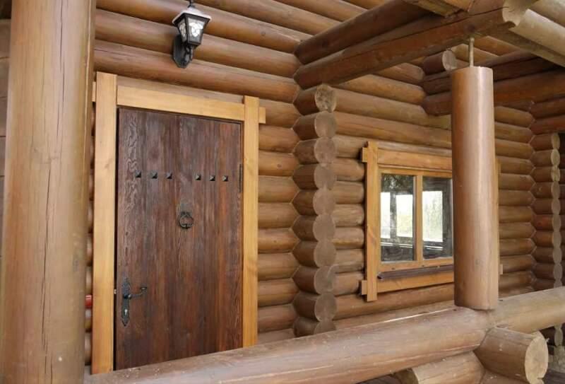 деревянные двери для бани