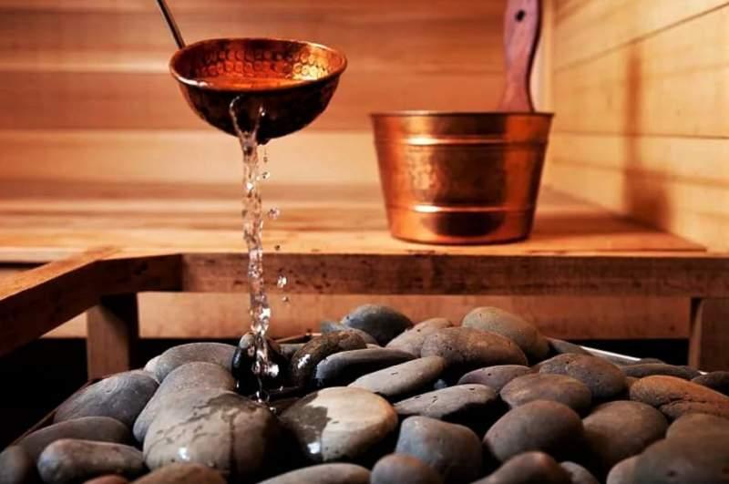 вода на камни для бани