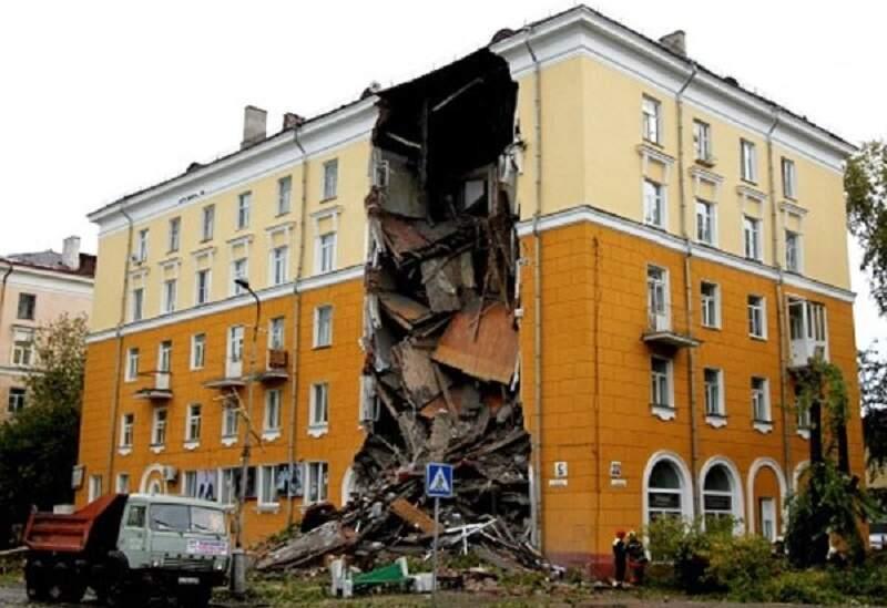 обрушение части здания - опасность