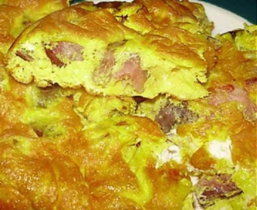 колбаса в омлете