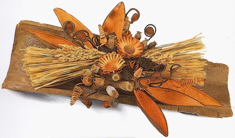 черепица с сухоцветами в композиции