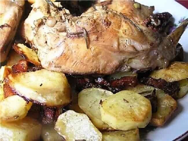 картошка с мясом кролика
