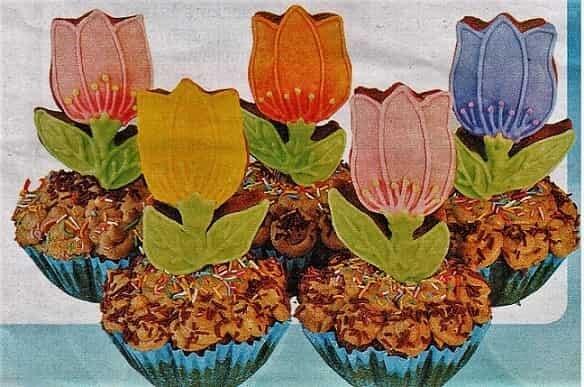 выпечки кексы - тюльпаны