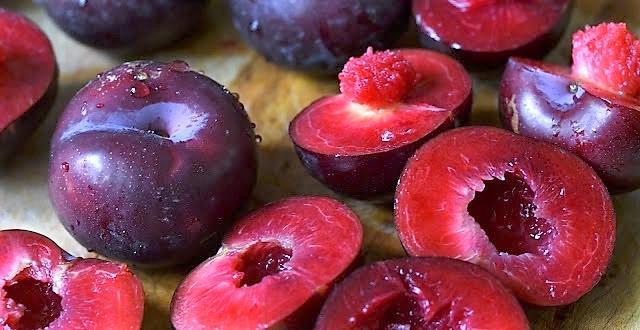 плоды сливы без косточек