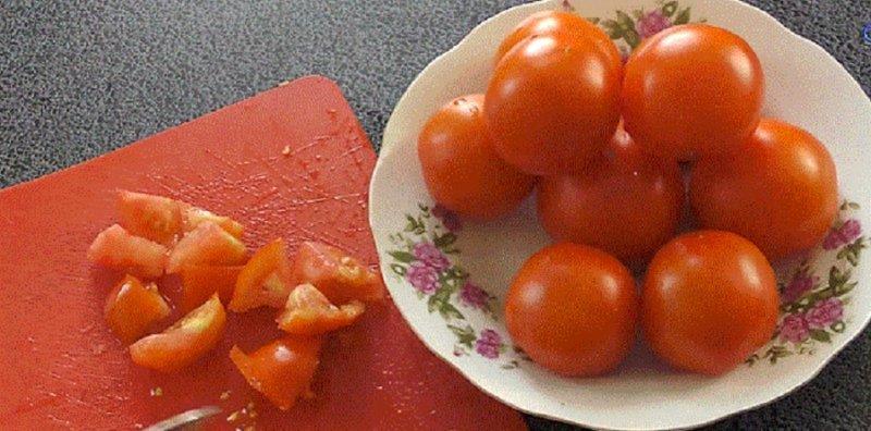 помидоры режем дольками