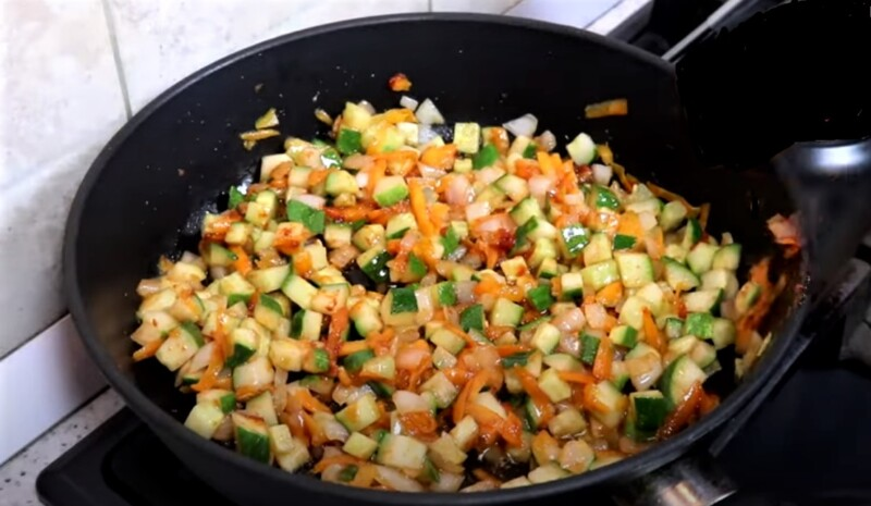 томатная паста с овощами