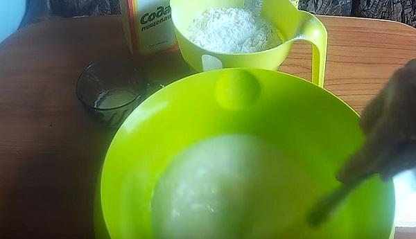 Блины на сыворотке: 6 вкусных рецептов тонких блинов с дырочками
