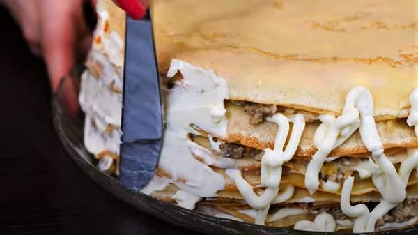 майонез на боках торта