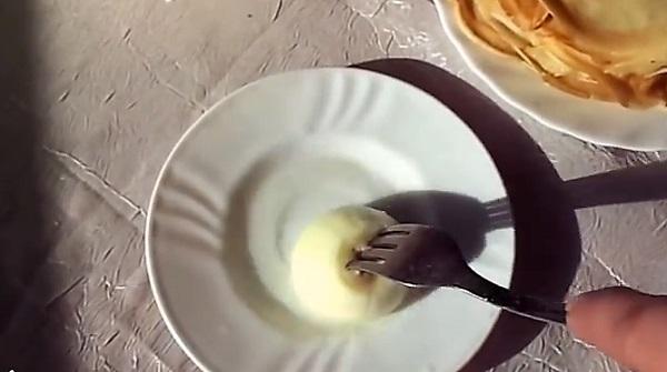 Заварные блины на молоке и кипятке видео