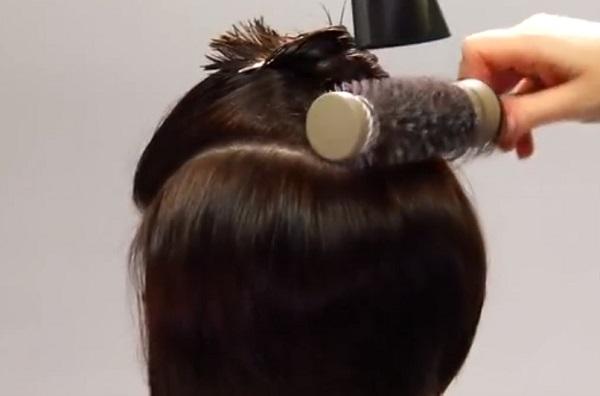 Как уложить прически на средние волосы
