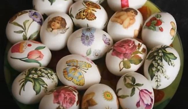 много пасхальных яиц