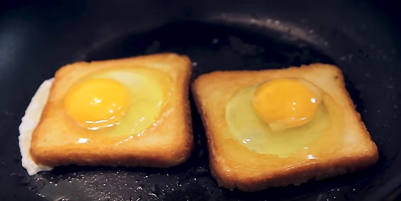 выливаем яйца