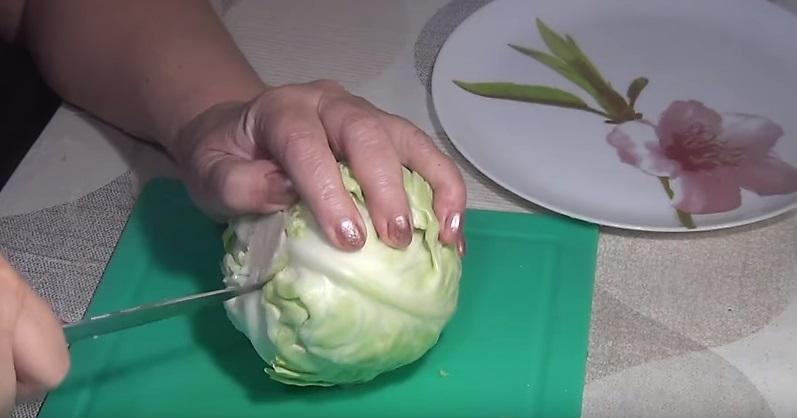 надрезаем листья ножом