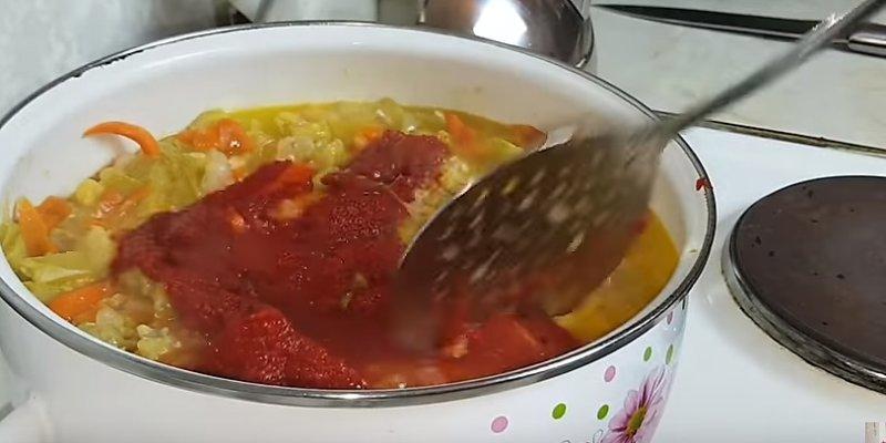 томатная паста в овощах