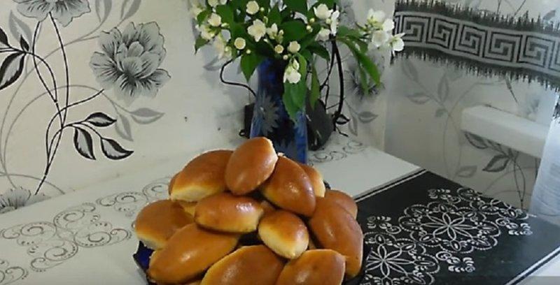 пирожки с луком готовы