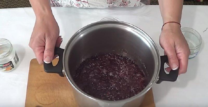 варенье из лепестков роз готово