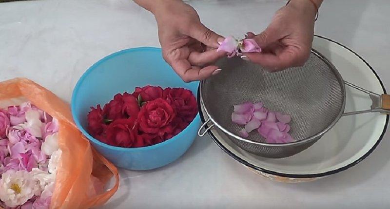 обрываем лепестки
