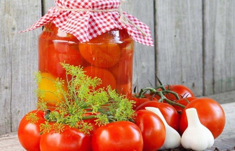 томаты с корицей и чесноком