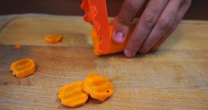 кружочки фигурной моркови