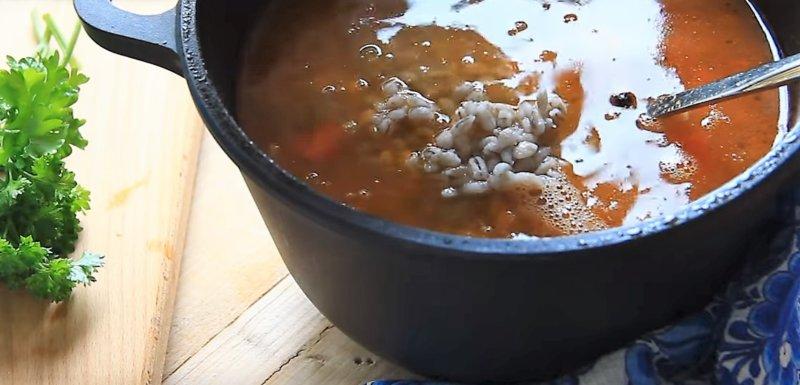 суп с перловкой готов