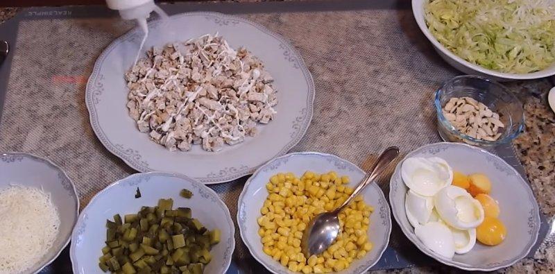 майонез на салате