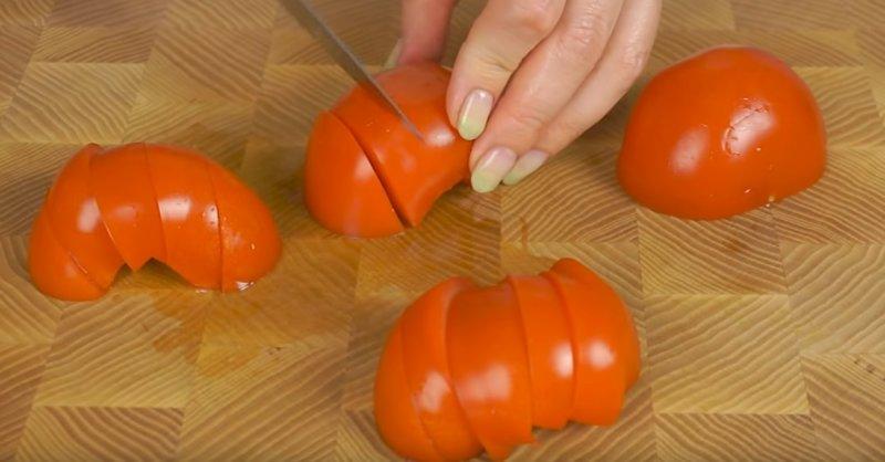 ломтики помидоров