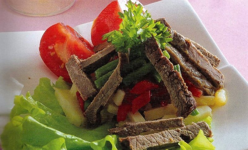 салат с говяжьим филе в новогоднее меню
