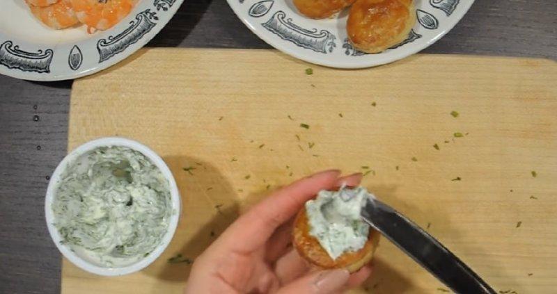 намазывание сыра