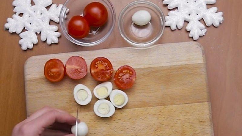 помидоры режем пополам
