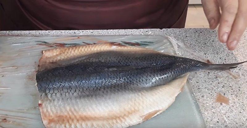 развернуть рыбу