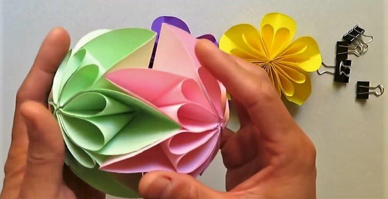 соединить все цветки вместе поделки из бумаги