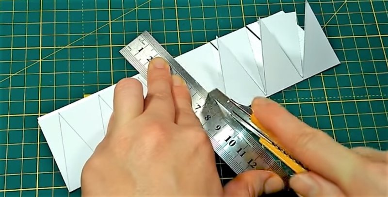 вырезание бумаги