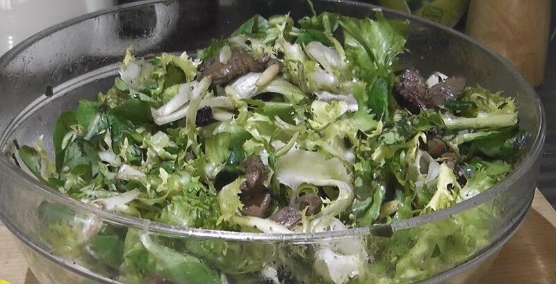 салат в блюде