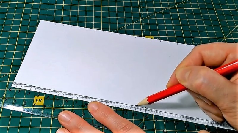 разметка бумаги карандашом, чтобы понять - как сделать объемную снежинку