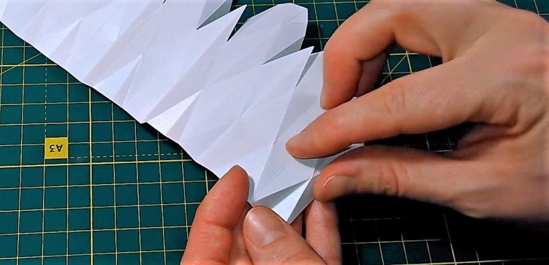 сборка линий, чтобы понять - как сделать объемную снежинку из бумаги