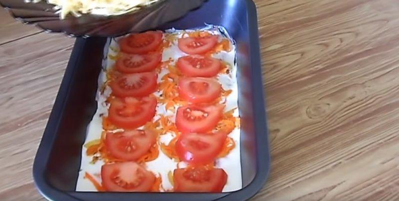 помидоры в противне