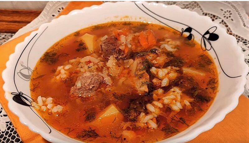 суп харчо в тарелке