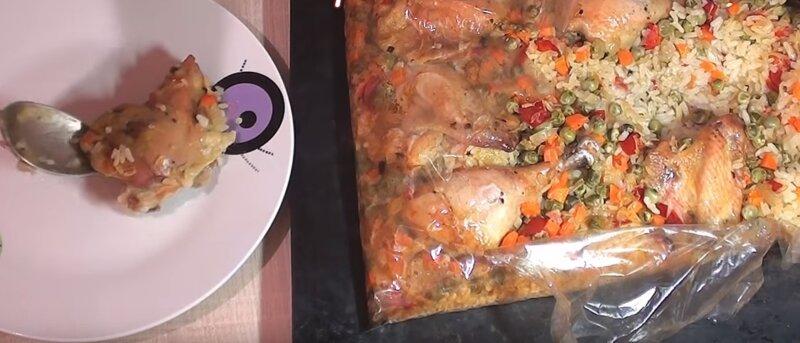 блюдо с курицей и рисом