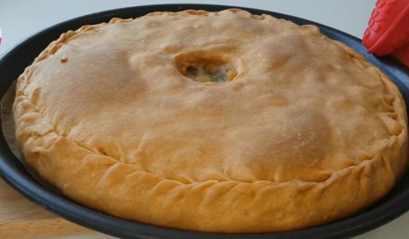 пирог с картошкой готов