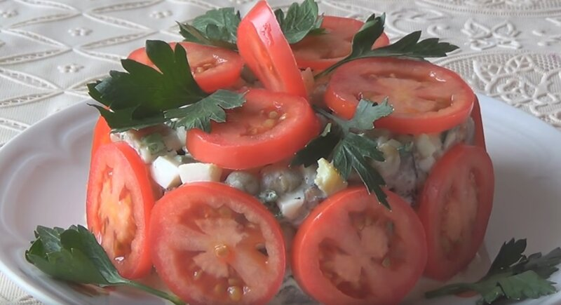 селедка с помидорами