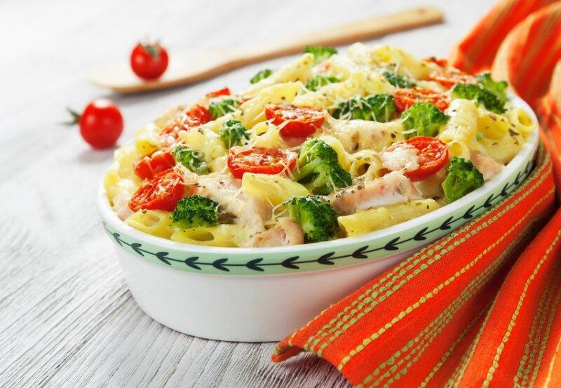 запеканка с брокколи и макаронами