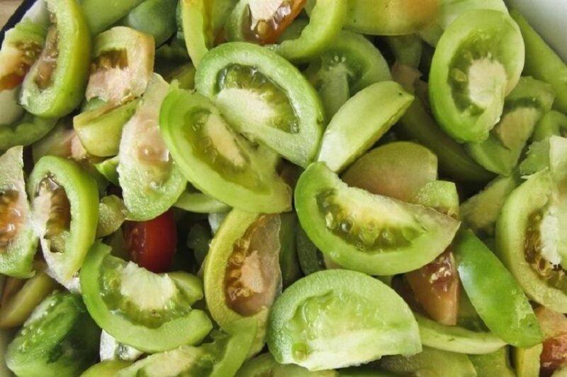 грибы с зелеными помидорами на зиму