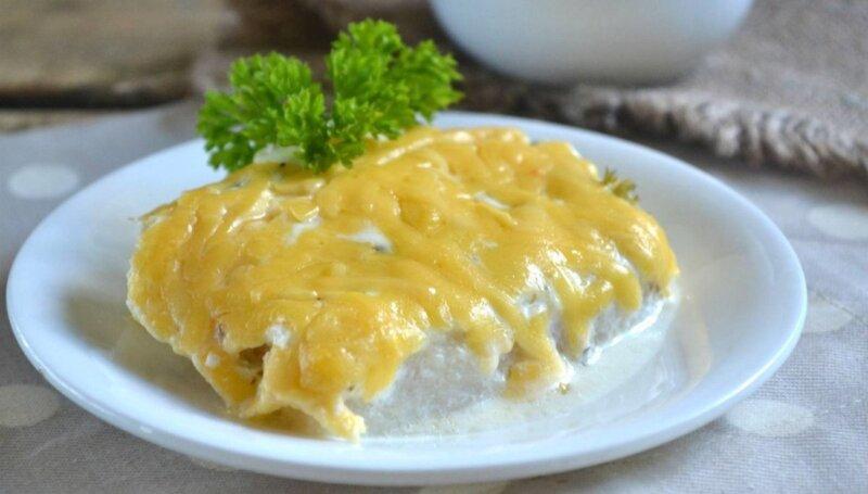 рыба в сметанном соусе с сыром
