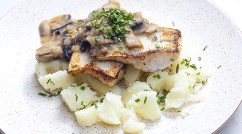 рыба с грибами в духовке