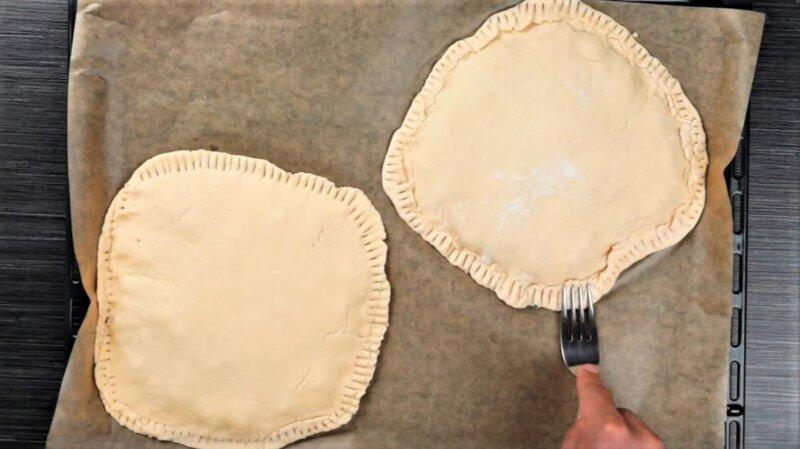 лепешки из теста с начинкой