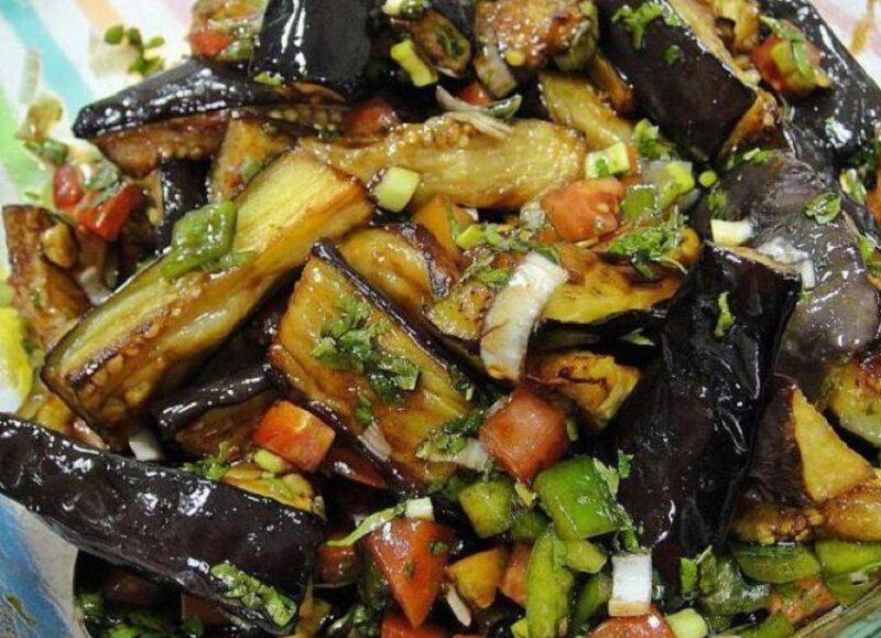 баклажаны с салатом