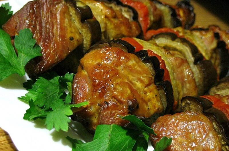 свинина с жареными баклажанами