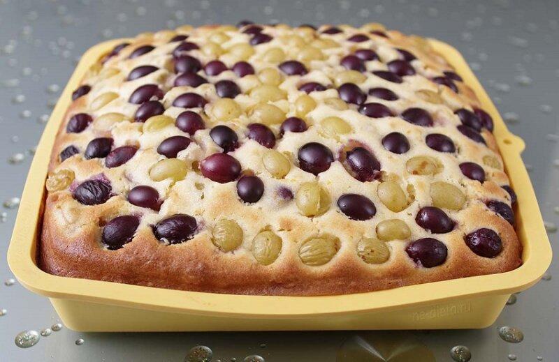 пирог с виноградом